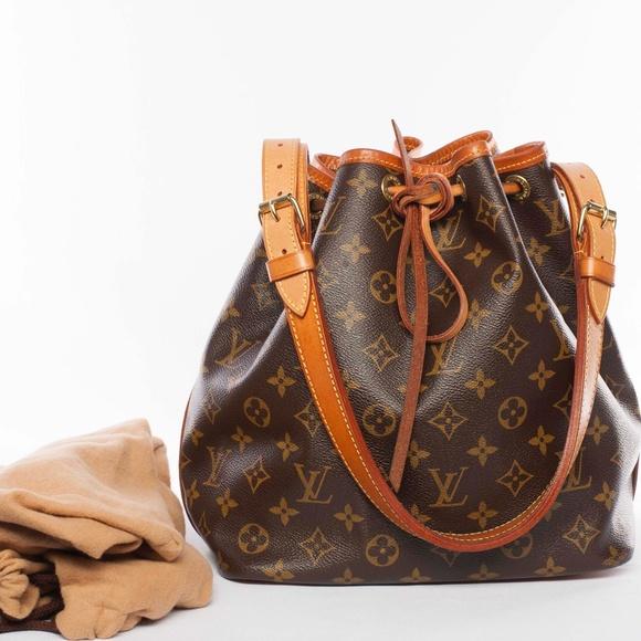 Louis Vuitton Handbags - Auth LOUIS VUITTON Monogram Noe MM Shoulder Bag